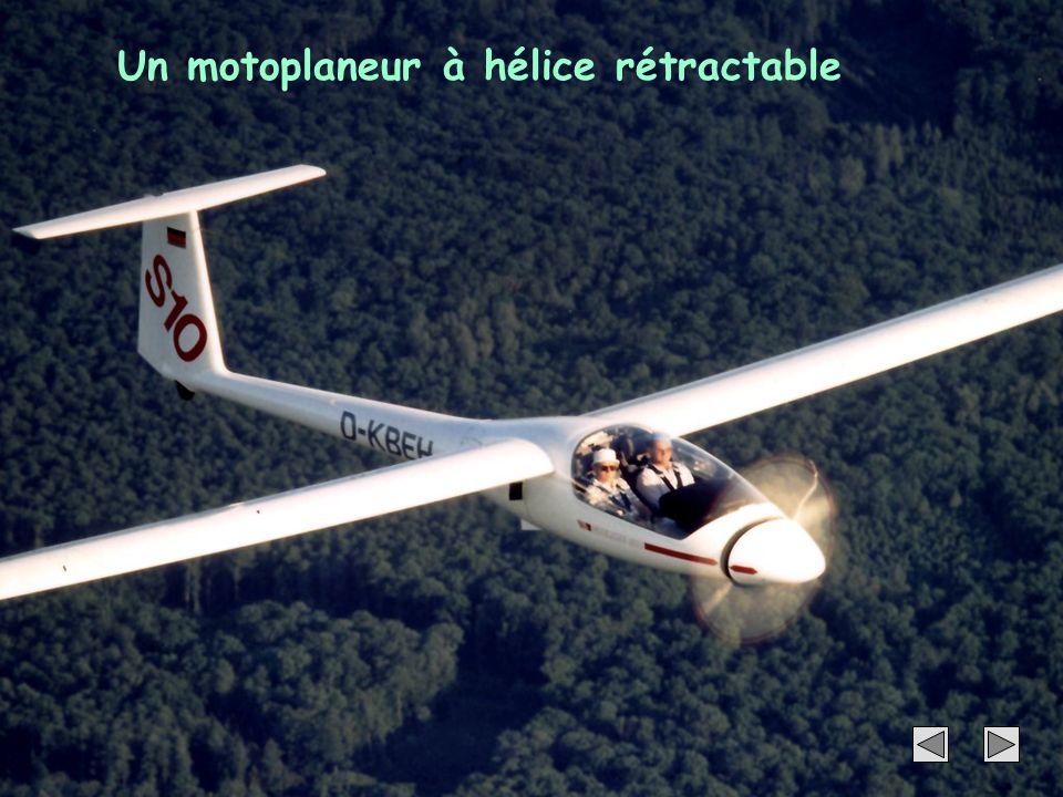 45 Un motoplaneur à hélice rétractable