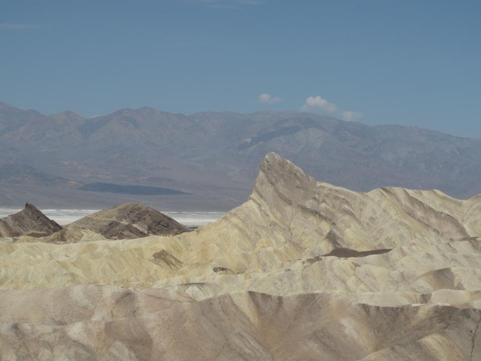 Dans la Death Valley:température moyenne en été 45°C, altitude -86m