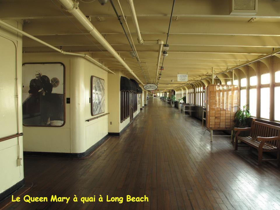 Le Queen Mary à quai à Long Beach
