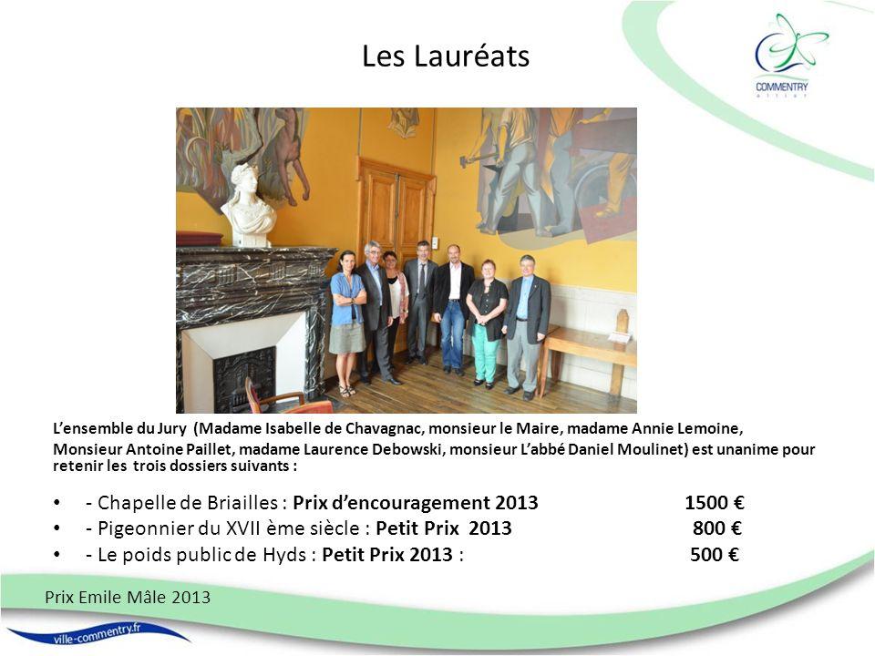 Les Lauréats Lensemble du Jury (Madame Isabelle de Chavagnac, monsieur le Maire, madame Annie Lemoine, Monsieur Antoine Paillet, madame Laurence Debow