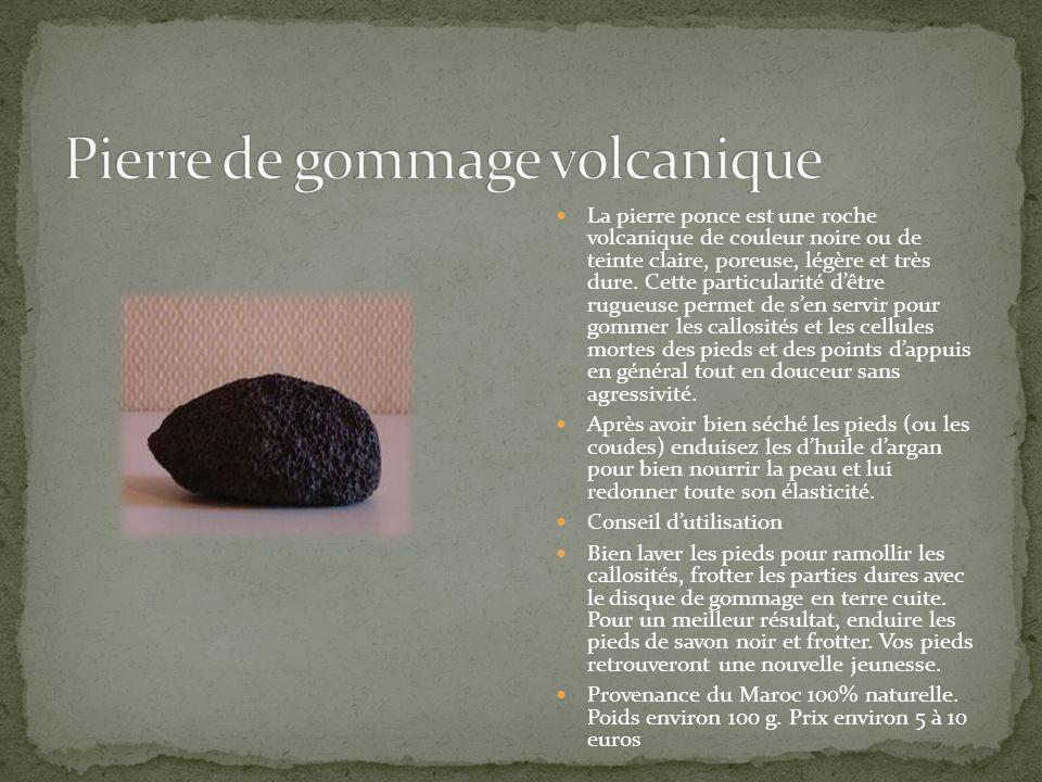 La pierre ponce est une roche volcanique de couleur noire ou de teinte claire, poreuse, légère et très dure. Cette particularité dêtre rugueuse permet