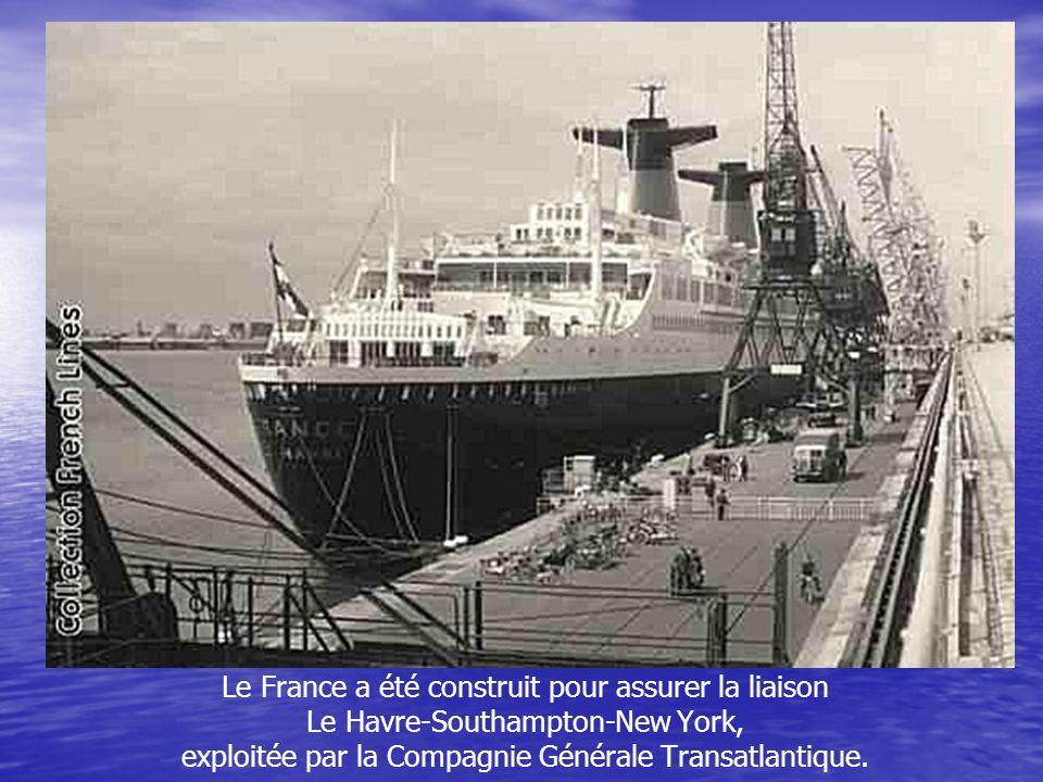 Lancé par le Général de Gaulle Le mercredi 11 mai 1960, devant des milliers de spectateurs, la marraine du France, Yvonne de Gaulle, coupe le ruban qu