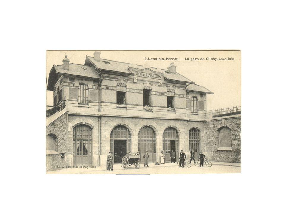 En 1843, la gare Saint Lazare ne disposait que de 6 voies : 2 pour Saint-Germain, 2 pour Versailles, et 2 pour la ligne de Rouen.