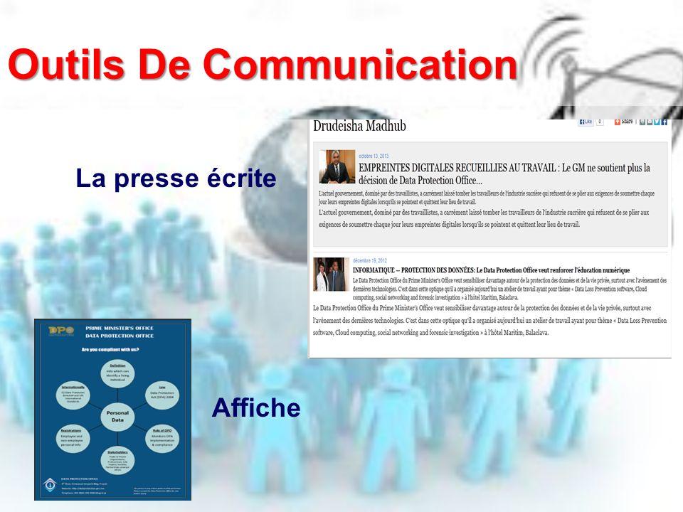 Outils De Communication La presse écrite Affiche