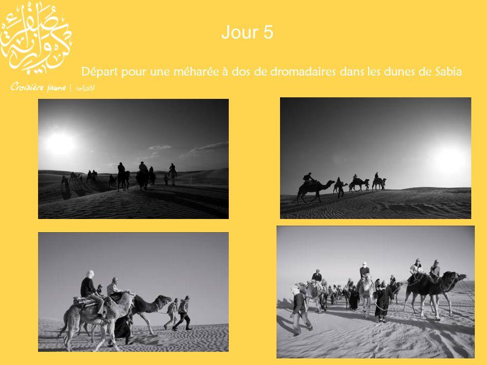 Départ pour une méharée à dos de dromadaires dans les dunes de Sabia Jour 5