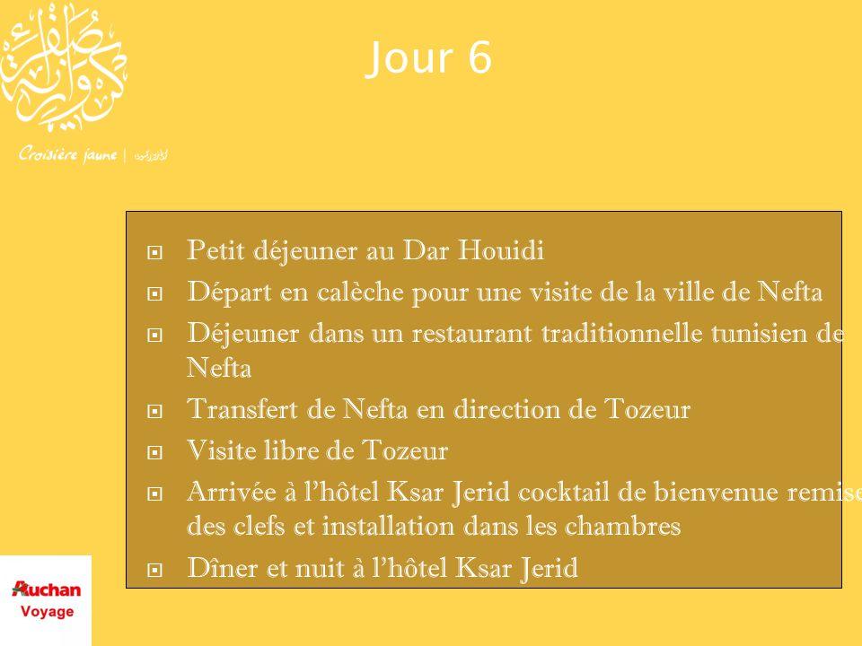 Jour 6 Petit déjeuner au Dar Houidi Départ en calèche pour une visite de la ville de Nefta Déjeuner dans un restaurant traditionnelle tunisien de Neft