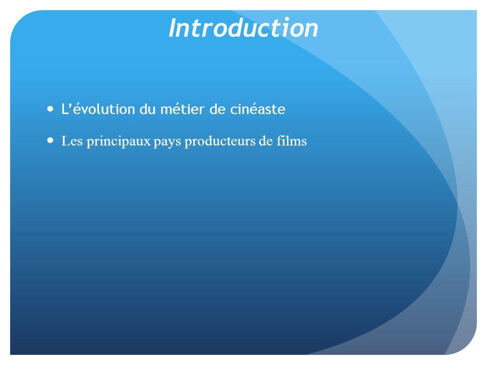 b) Lévolution des investissements c) Lévolution des premiers films produits