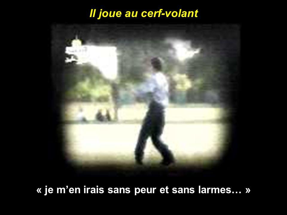 Au paradis des enfants martyres : il cours sur la plage « Qu il est doux, le parfum des martyres .