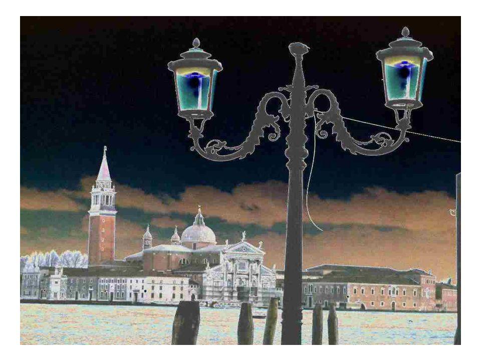 QUAND VENISE SE CONJUGUE A TOUS LES TEMPS… Venise est la cité du passé, pourtant pas si simple, présent partout et à chaque instant.