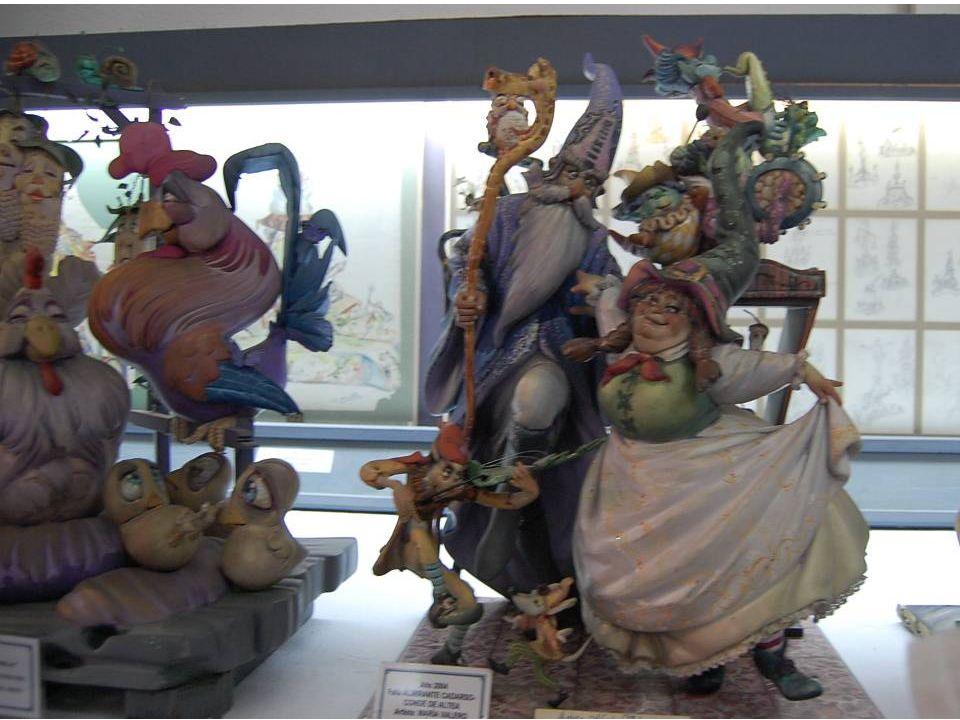 Le Fallero Artiste La profession d'artiste Fallero aborde non seulement construire des échecs. L'artiste a toujours combiné son travail dans le domain