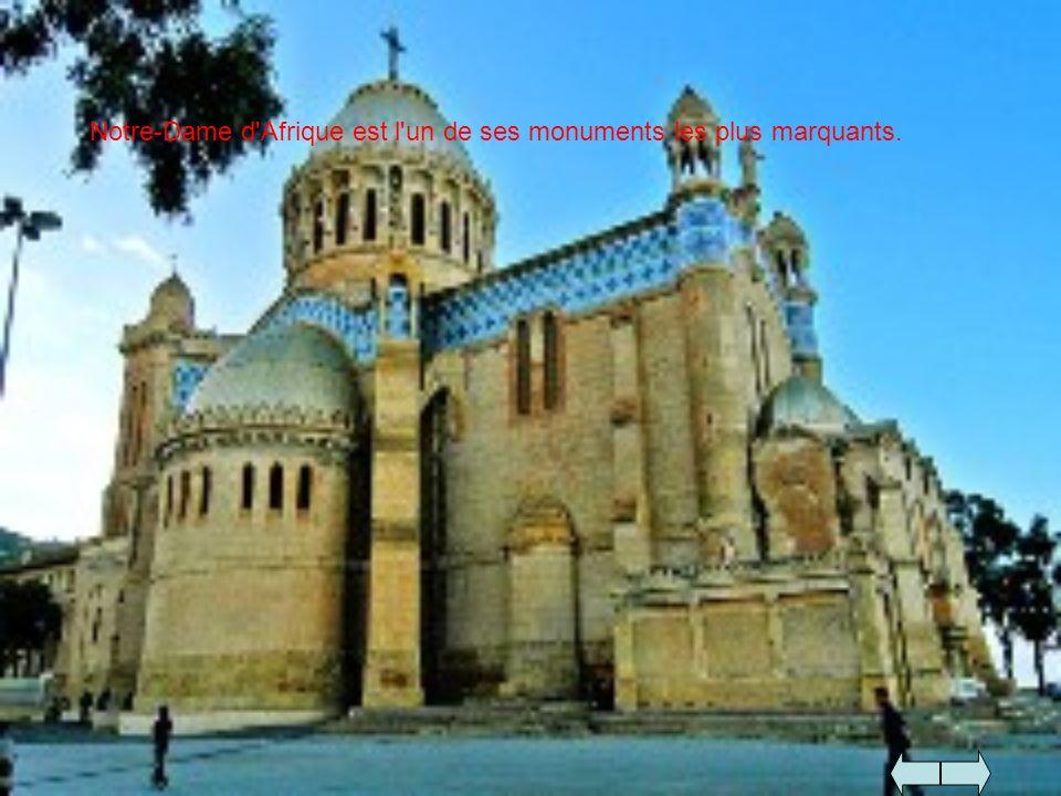 Notre-Dame d'Afrique est l'un de ses monuments les plus marquants.
