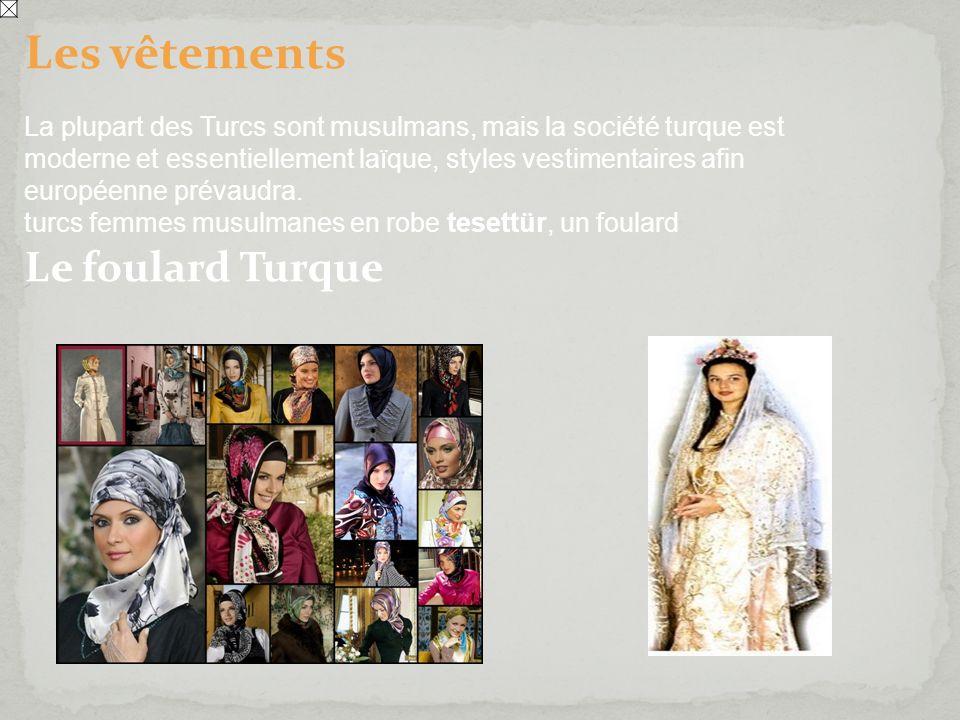 Les vêtements La plupart des Turcs sont musulmans, mais la société turque est moderne et essentiellement laïque, styles vestimentaires afin européenne