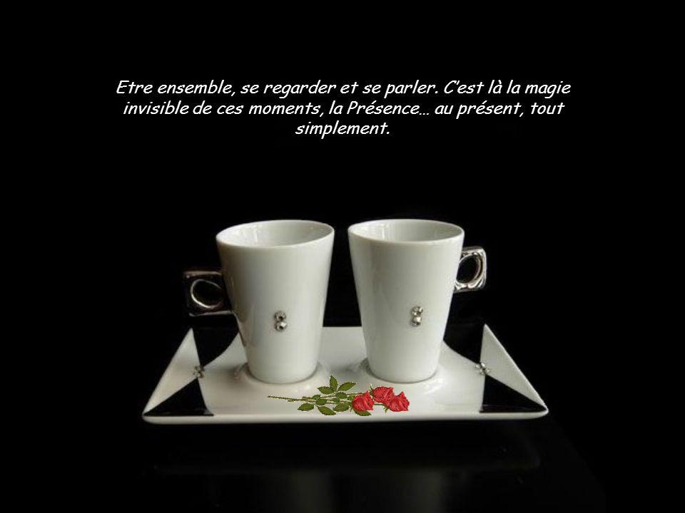 Accepter de prendre un café avec une autre personne, cest ouvrir la porte à parler de soi et à écouter lautre.