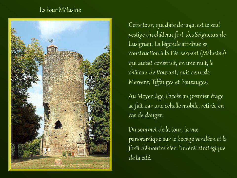 Une autre tour située sur les remparts du village