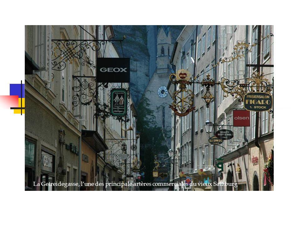 La Getreidegasse, lune des principale artères commerciales du vieux Salzburg