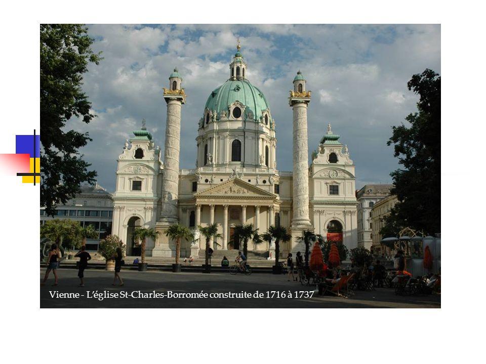 Vienne - Léglise St-Charles-Borromée construite de 1716 à 1737