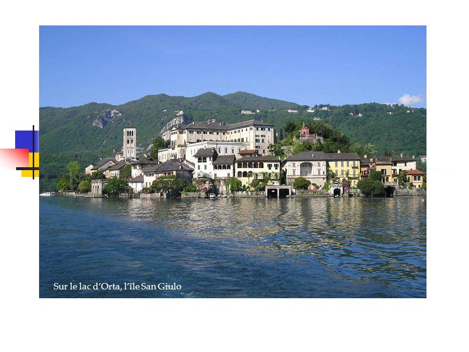 Venise, la sérénissime Sur le lac dOrta, lîle San Giulo