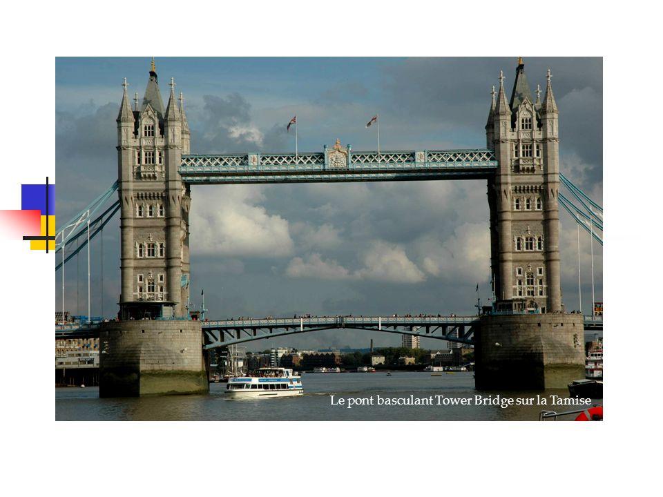 Venise, la sérénissime Le pont basculant Tower Bridge sur la Tamise Londres