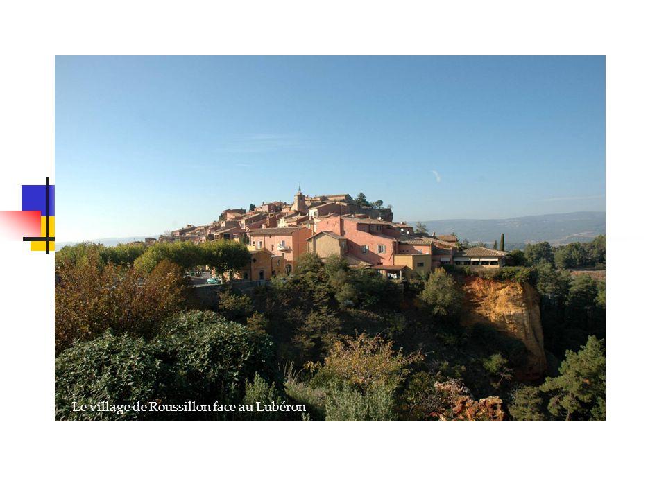 Venise, la sérénissime Roussillon Le village de Roussillon face au Lubéron