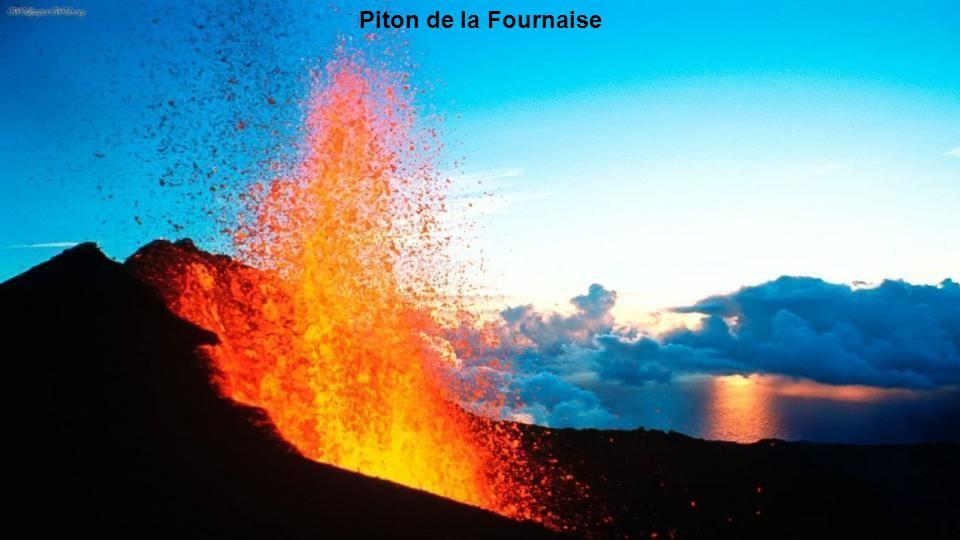 Les pitons, cirques et remparts de l'île de la Réunion Patrimoine mondial Unesco.