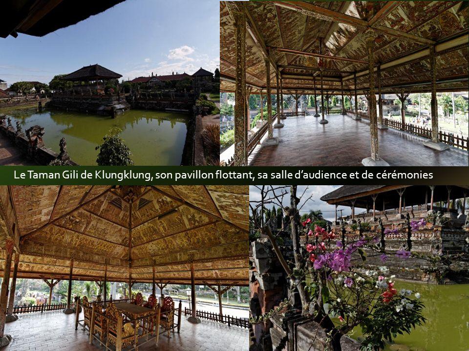 Adossé au Mt Agung cest le plus ancien, le plus grand, le plus vénéré et le plus sacré de tous les temples de lîle.