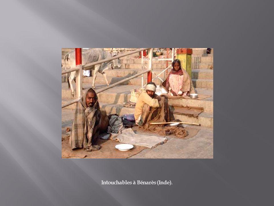 Intouchables à Bénarès (Inde).