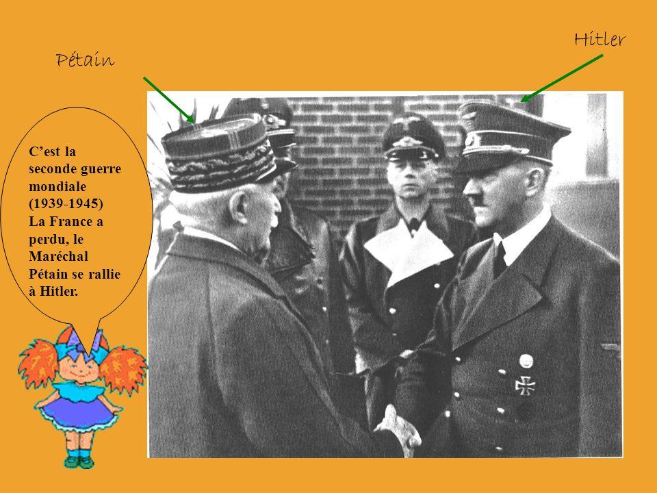 Cest la première guerre mondiale (1914-1918) Les poilus sont dans les tranchées.