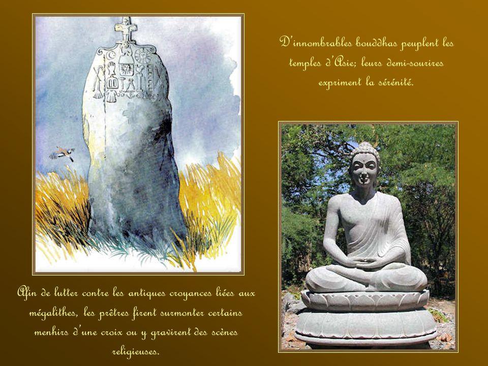 Les menhirs sculptés et les dolmens sont les témoignages les plus fréquents des croyances de la civilisation mégalithique Les guetteurs de lIle de Pâq