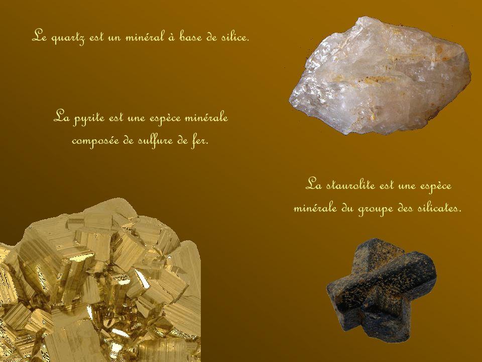 En géologie, on ne parle pas de pierres mais de roches et minéraux. Ces derniers sont des petits cristaux de taille et de forme variables tandis que l