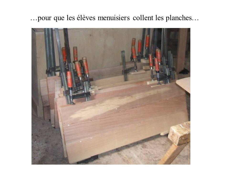 Le résultat est solide et durable car le métal ne pourrit pas et le mobilier sera démonté et mis à labri durant les vacances scolaires