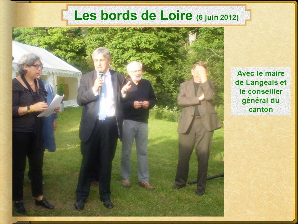 Les bords de Loire (6 juin 2012) La Présidente du Comité et celle du club de Blois étaient présentes Nous nous sommes régalés avec les fouées !