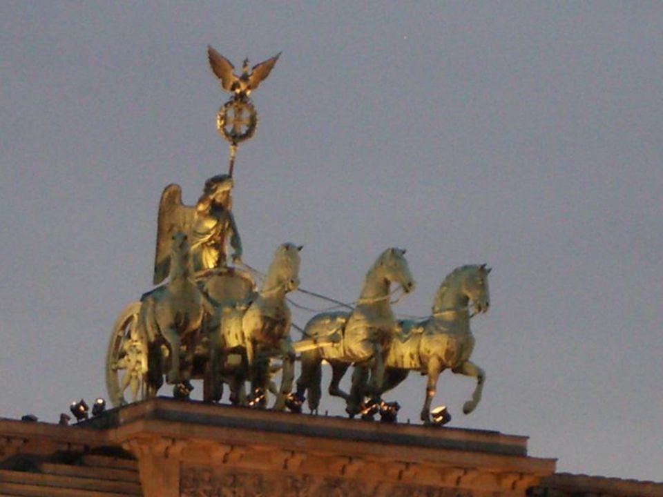 la Porte de Brandebourg illuminée