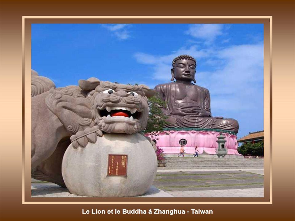Le Lion et le Buddha à Zhanghua - Taiwan