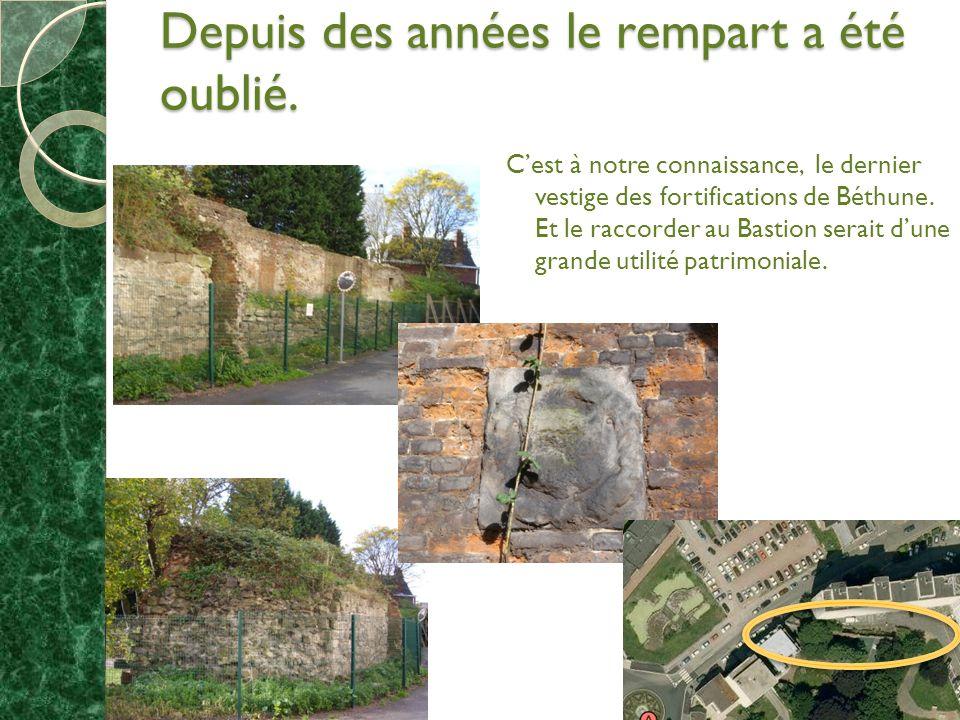 Depuis des années le rempart a été oublié. Cest à notre connaissance, le dernier vestige des fortifications de Béthune. Et le raccorder au Bastion ser