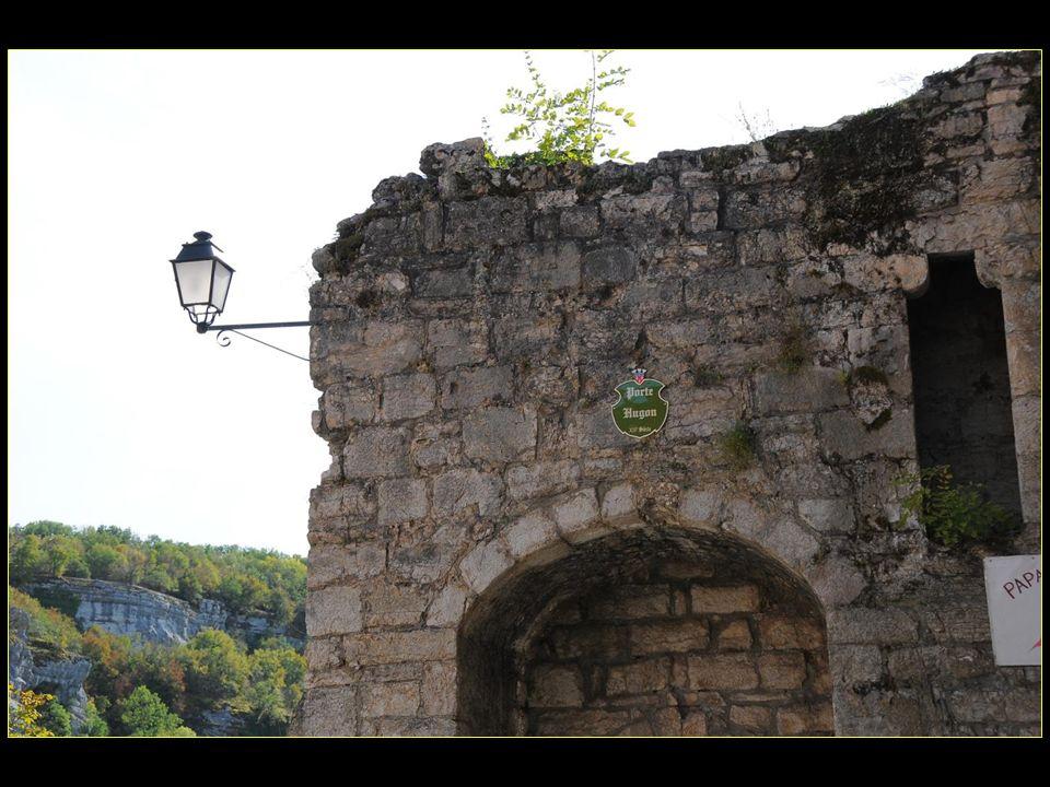 La porte Hugon XIII me siècle
