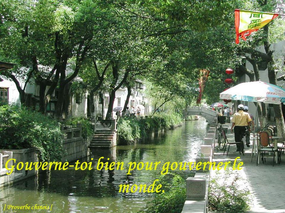 Le chemin du devoir est toujours proche, mais l'homme le cherche loin de lui. ] Proverbe chinois [
