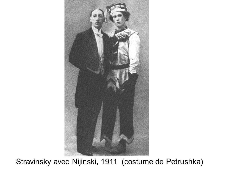 Stravinsky avec Nijinski, 1911 (costume de Petrushka)