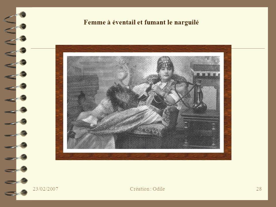28 Femme à éventail et fumant le narguilé Création : Odile23/02/2007