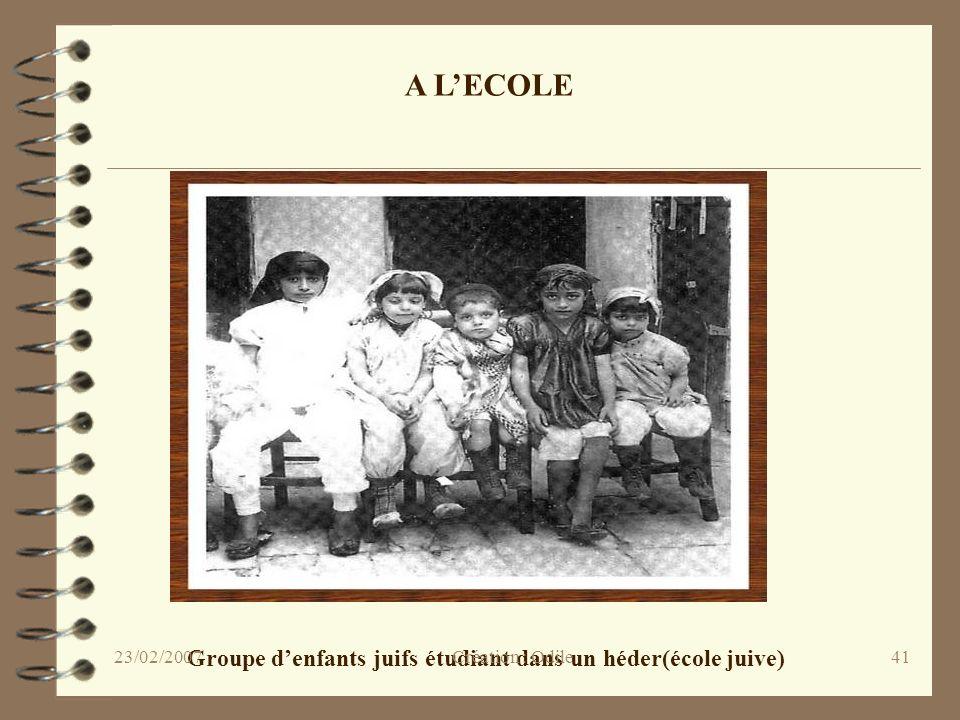 41 A LECOLE Groupe denfants juifs étudiant dans un héder(école juive) Création : Odile23/02/2007