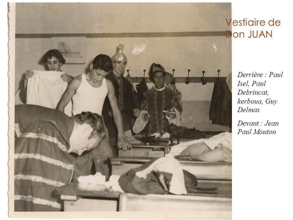 Vestiaire de Don JUAN Derrière : Paul Isel, Paul Debrincat, kerboua, Guy Delmas Devant : Jean Paul Mouton