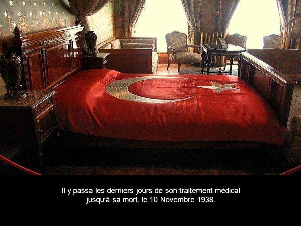 Mustafa Kemal Atatürk, fondateur et premier Président de la République Turque,utilisa le palais comme résidence présidentielle dété doù il promulgua quelques unes des plus importantes lois.
