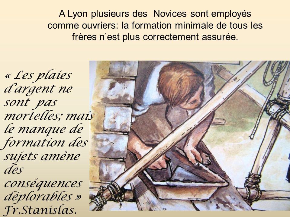 La construction de la Chapelle sur ateliers est lancée… Elle est payée par les frères et réalisée sur le terrain de M.Coindre! Le Noviciat de Monistro