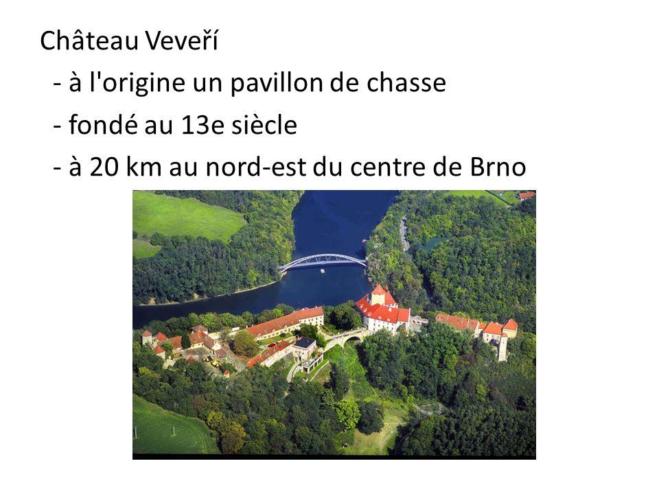Château Veveří - à l'origine un pavillon de chasse - fondé au 13e siècle - à 20 km au nord-est du centre de Brno