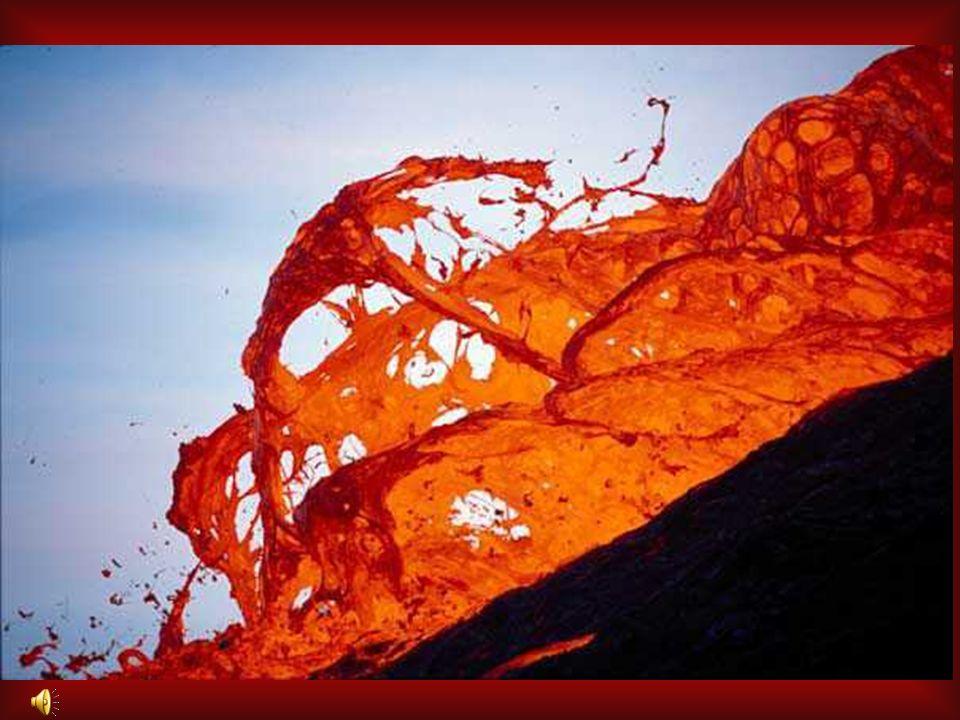 Ainsi, vu le nombre de types de volcans et déruptions, on peut déduire quil existe un très grand nombre de risques se présentant sous différentes form