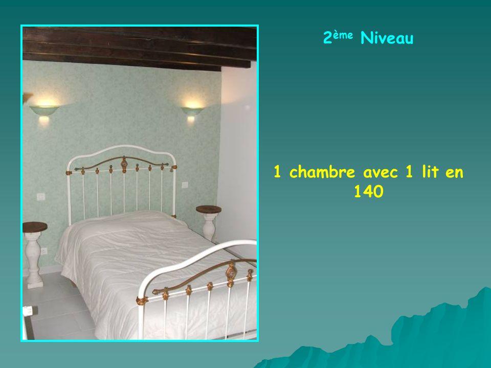 2 ème Niveau 1 chambre avec 1 lit en 140