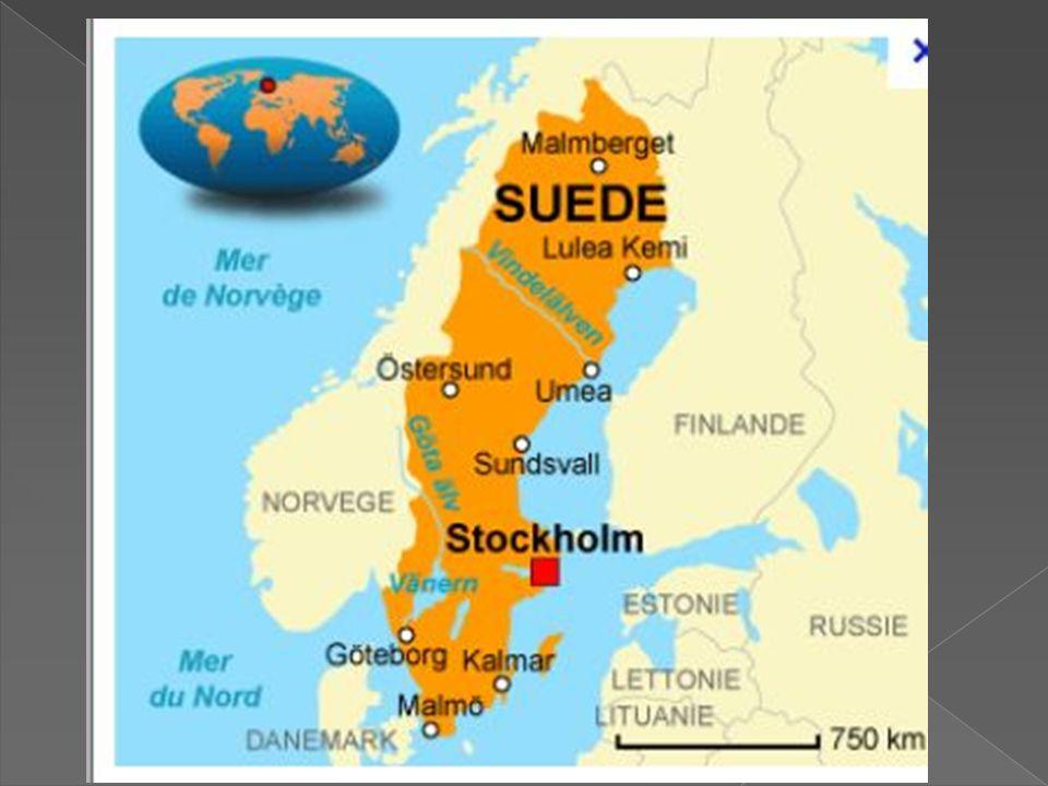 CAPITALE : Stockholm SUPERFICIE : 449 960 km 2 POPULATION : 9 291 200 Ha (densité 22 ha/km²) La Suède est située en Europe du Nord, au bord de la mer Baltique, entre la Norvège à louest et la Finlande au nord-est.