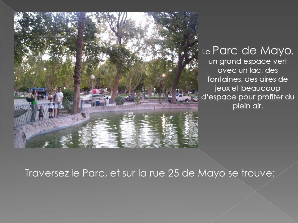 Le Parc de Mayo, un grand espace vert avec un lac, des fontaines, des aires de jeux et beaucoup despace pour profiter du plein air. Traversez le Parc,