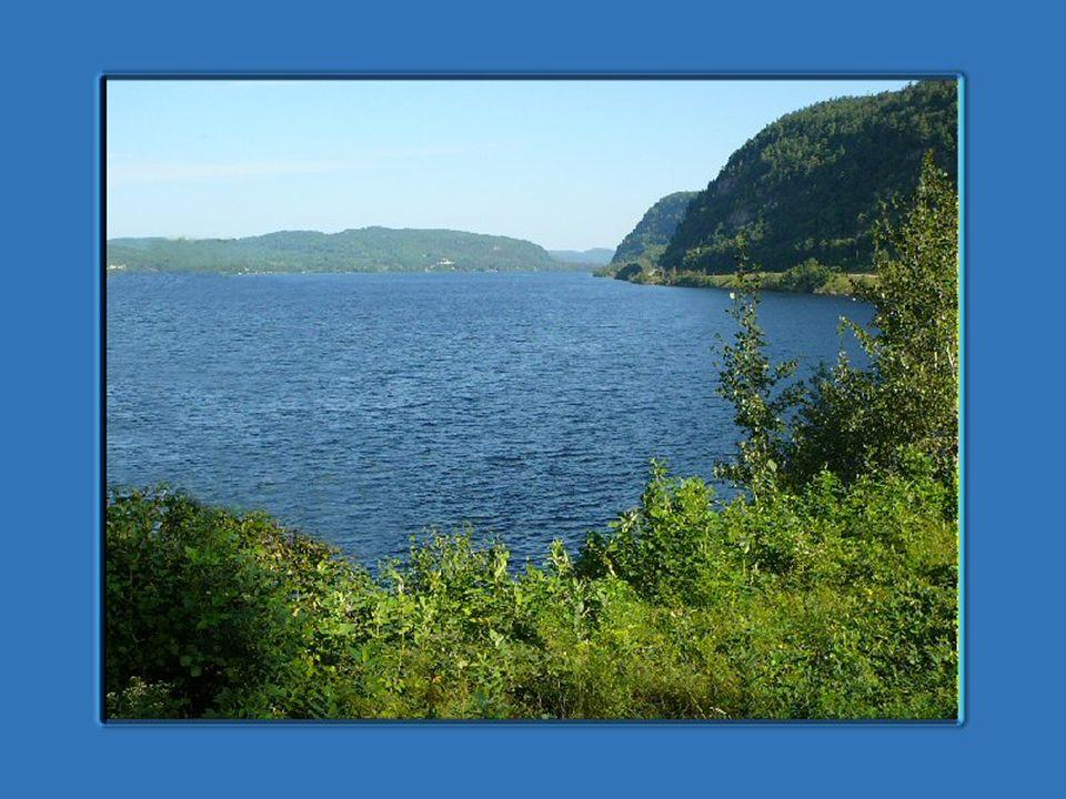 Rivière Saint-Maurice - Wikipédia Parcs Canada - Parc national du Canada de la Mauricie TEXTE Les textes proviennent des sites