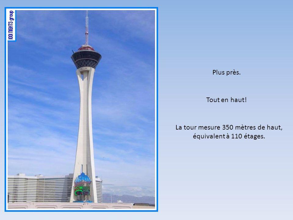 Cest une tour panoramique! OK, il en existe plusieurs sur terre.