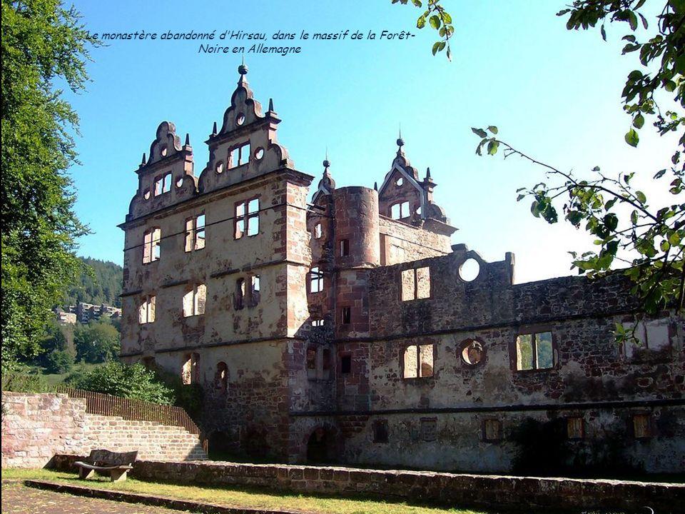Le monastère abandonné d Hirsau, dans le massif de la Forêt- Noire en Allemagne